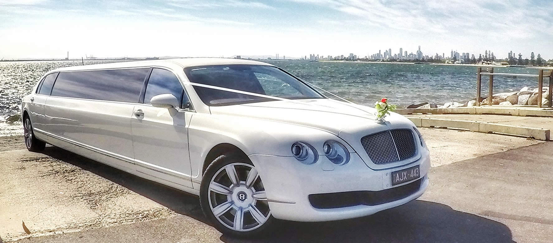 limousine fleet hire limo baby chauffeur chrysler bentley the