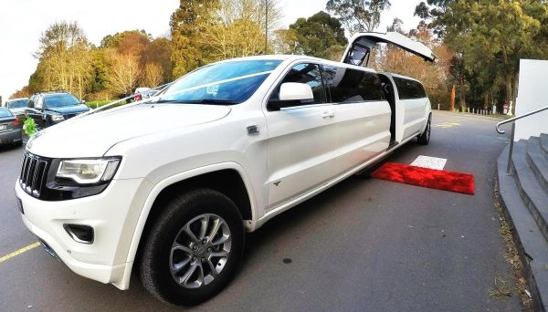Jeep Grand Cherokee SUV Stretch