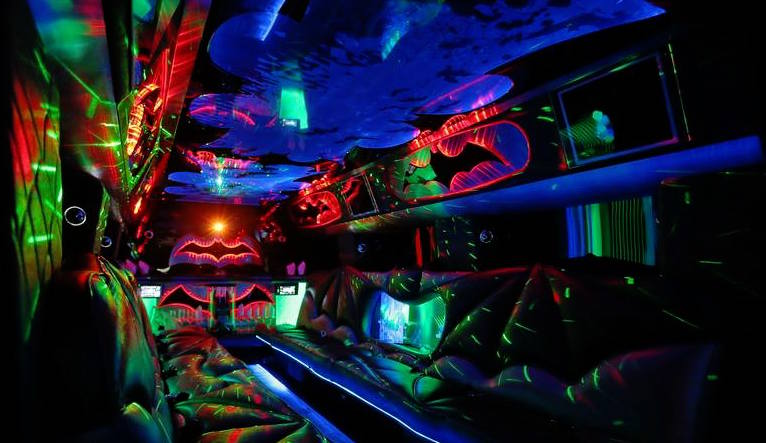 The AMAZING Bat Hummer Limo