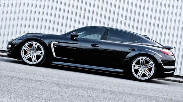 Black Porsche Panamera